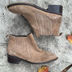 L'Intervalle tan suede pull on ankle boots size 38